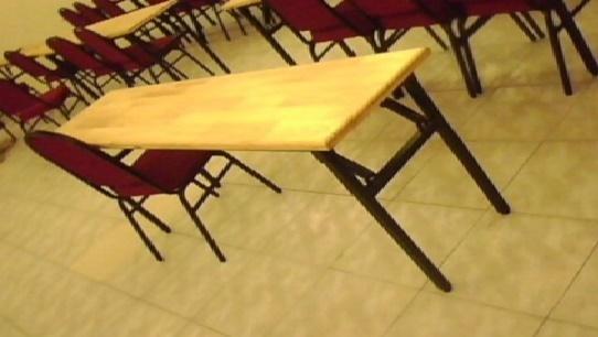 Ghế gấp có mặt bàn