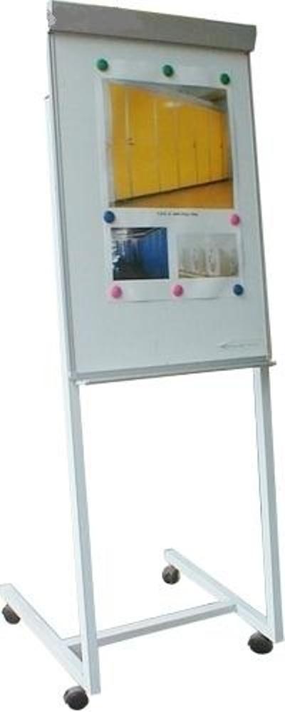 bảng flipchart chân chữ Z giá rẻ nhất hcm