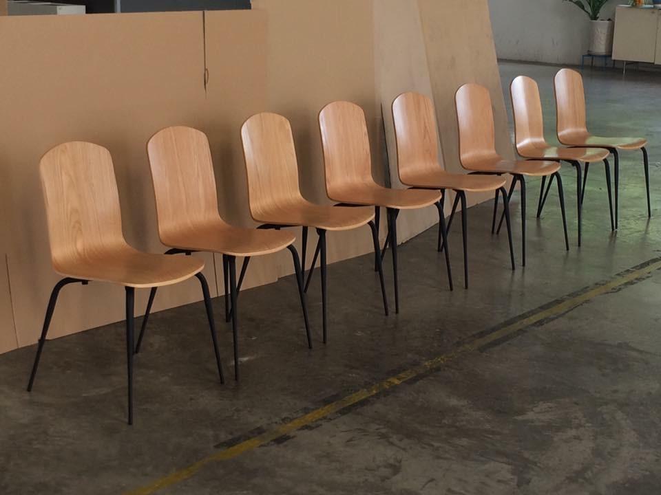 bàn khung sắt bàn ghế chân tóp ống vuốt côn